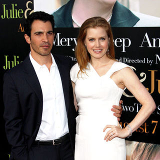 "Amy Adams, Chris Messina in ""Julie & Julia"" - Los Angeles Premiere - Arrivals"