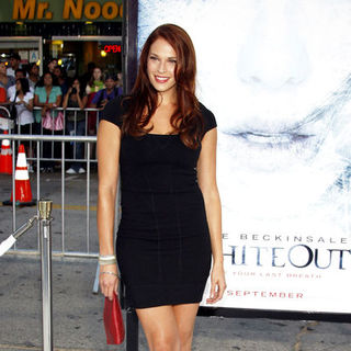 "Amanda Righetti in ""Whiteout"" Los Angeles Premiere - Arrivals"