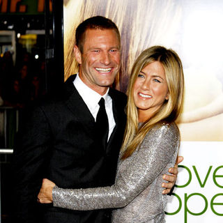 "Aaron Eckhart, Jennifer Aniston in ""Love Happens"" World Premiere - Arrivals"