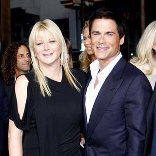 "Rob Lowe, Sheryl Berkoff in ""The Invention of Lying"" Los Angeles Premiere - Arrivals"