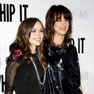 "Ellen Page, Juliette Lewis in ""Whip It!"" Los Angeles Premiere - Arrivals"