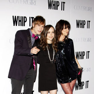 "Landon Pigg, Ellen Page, Juliette Lewis in ""Whip It!"" Los Angeles Premiere - Arrivals"