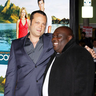 "Vince Vaughn, Faizon Love in ""Couples Retreat"" Los Angeles Premiere - Arrivals"