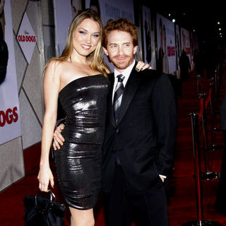 "Seth Green, Clare Grant in ""Old Dogs"" Los Angeles Premiere - Arrivals"