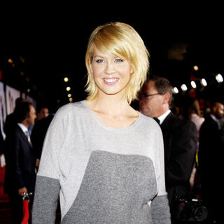 "Jenna Elfman in ""Old Dogs"" Los Angeles Premiere - Arrivals"