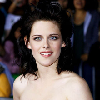 "Kristen Stewart in ""The Twilight Saga's New Moon"" Los Angeles Premiere- Arrivals"