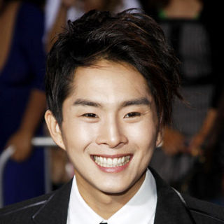 "Justin Chon in ""The Twilight Saga's New Moon"" Los Angeles Premiere- Arrivals"
