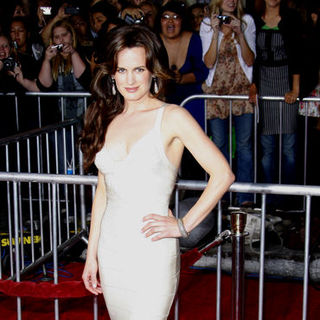 "Elizabeth Reaser in ""The Twilight Saga's New Moon"" Los Angeles Premiere- Arrivals"
