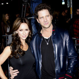 "Jennifer Love Hewitt, Jamie Kennedy in ""The Twilight Saga's New Moon"" Los Angeles Premiere- Arrivals"