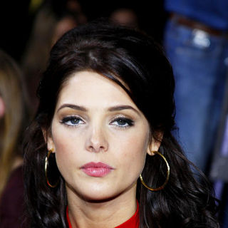 "Ashley Greene in ""The Twilight Saga's New Moon"" Los Angeles Premiere- Arrivals"