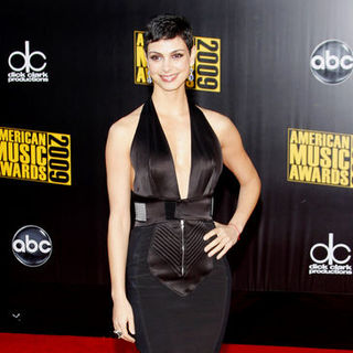 Morena Baccarin in 2009 American Music Awards - Arrivals