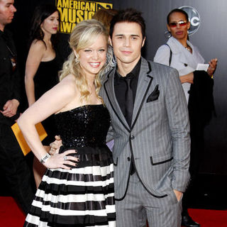Kris Allen in 2009 American Music Awards - Arrivals