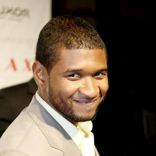 Usher - Usher Hosts an Evening at LAX Nightclub in Las Vegas - November 3, 2007