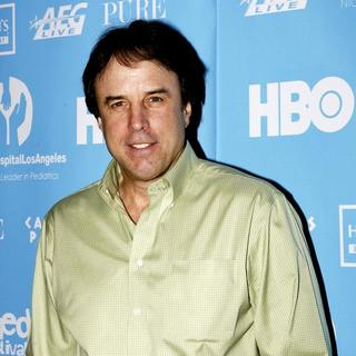Kevin Nealon in Comedy Cares Celebrity Poker Tournament at Pure Nightclub in Las Vegas on November 16, 2007 - EKP-001956