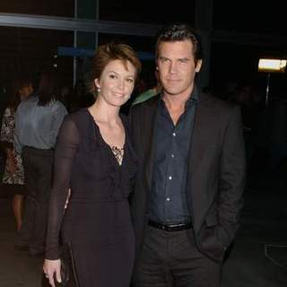 Josh Brolin, Diane Lane in In The Valley of Elah - Movie Premiere - Arrivals