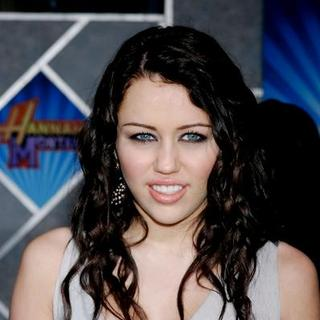 "Miley Cyrus in ""Hannah Montana/Miley Cyrus: Best of Both Worlds Concert Tour"" 3-D Concert Film Hollywood Premiere"