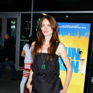 "Saffron Burrows in ""Run Fatboy Run"" Los Angeles Premiere - Arrivals"