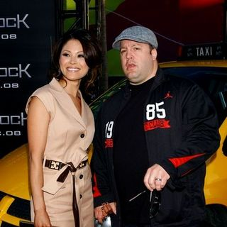"Kevin James, Steffiana De La Cruz in ""Hancock"" Premiere - Arrivals"