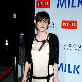"Winona Ryder in ""Milk"" Hollywood Premiere - Arrivals"