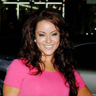 "Katy Mixon in ""Four Christmases"" World Premiere - Arrivals"