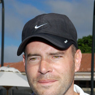 Scott Foley in Chris Evert - Raymond James Pro-Celebrity Tennis Classic