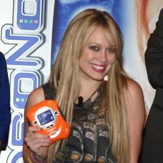 Hilary Duff - Hilary Duff and Tony Hawk Introduce Video Now