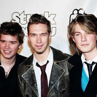 Hanson in The Stuck On You Premiere