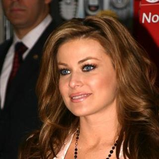 Carmen Electra - Carmen Electra Signs Her New DVD Fit To Strip