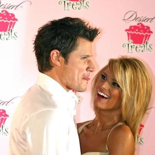 Jessica Simpson, Nick Lachey in Jessica Simpson Launches Dessert Treats