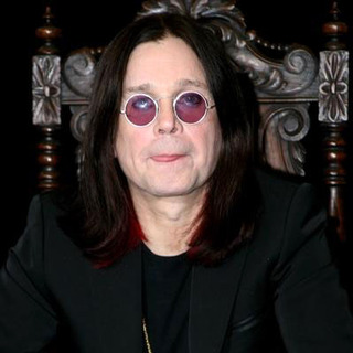 Ozzy Osbourne - Ozzy Osbourne Appearance at Tower Records to Pomote Prince of Darkness