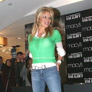 Pamela Anderson - Pamela Anderson Promotes MAC VIVA GLAM at Macy's Herald Square