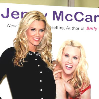Jenny McCarthy Signs Her New Book Belly Laughs-The Naked Truth About The First Year of Mommyhood - JTM-009443