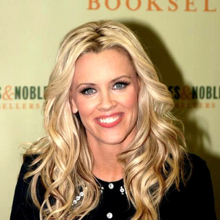 Jenny McCarthy Signs Her New Book Belly Laughs-The Naked Truth About The First Year of Mommyhood - JTM-009451