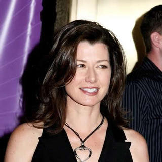 Amy Grant in 2005/2006 NBC UpFront Arrivals - JTM-009990