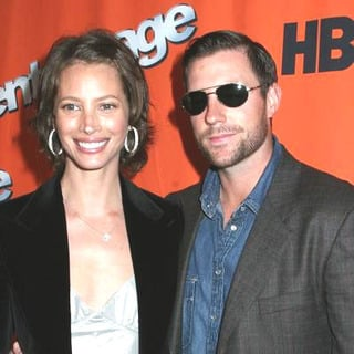 Christy Turlington, Ed Burns in HBO's Entourage Season 2 New York City Premiere