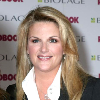 Trisha Yearwood in 2005 Redbook's Mothers and Shakers Awards