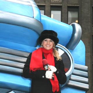 Carrie Underwood in 2005 Macy's Thanksgiving Day Parade