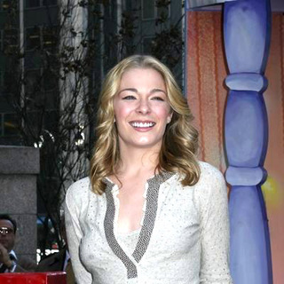 LeAnn Rimes - LeAnn Rimes A Home For the Holidays Performance Sponsored by MasterCard