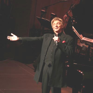 Barry Manilow in Barry Manilow Concert For His New CD The Greatest Songs of the Fifties