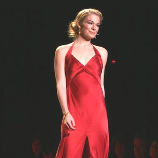 LeAnn Rimes - Olympus Fashion Week Fall 2006 - Heart Truth Red Dress Collection Show