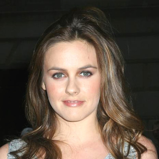 Alicia Silverstone in Out and About in Downtown Manhattan