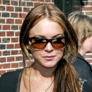 Lindsay Lohan - The Late Show with David Letterman Departures - 06-05-2006
