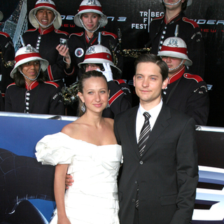 Tobey Maguire, Jennifer Meyer in Spider-Man 3 Movie Premiere - New York City - Arrivals