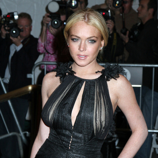 Lindsay Lohan - Poiret, King of Fashion - Costume Institute Gala at The Metropolitan Museum of Art - Arrivals