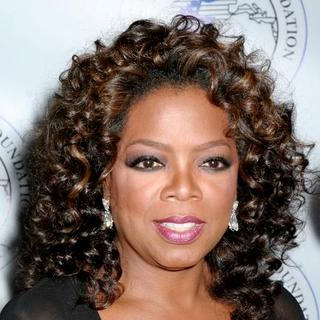 Oprah Winfrey - Oprah Winfrey Honored By The Elie Wiesel Foundation For Humanity With A Humanitarian Award