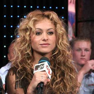 Paulina Rubio Performs Live on MTV's Mi TRL - JTM-026205
