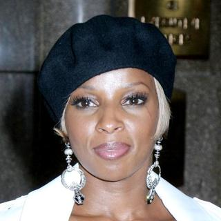 Mary J. Blige - Conde Nast Media Group's 4th Annual Fashion Rocks - Red Carpet