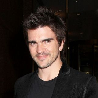 Juanes in Celebrities In Midtown Manhattan - October 22, 2007