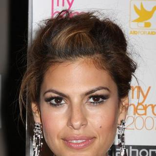 Eva Mendes in Aid for AIDS Honors Heroes at 2007 My Heroes Gala - Arrivals