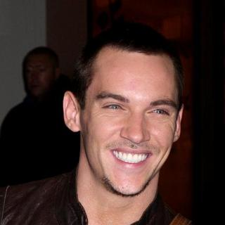 Jonathan Rhys-Meyers in Jay-Z, Jonathan Rhys Meyers and Reena Hammer at MTV's TRL on November 12, 2007